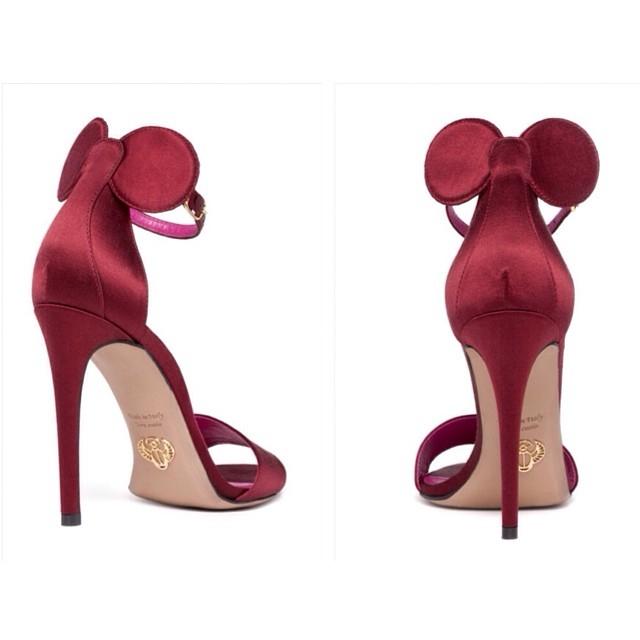 oscar tiye minnie il sandalo con le orecchie da topolino