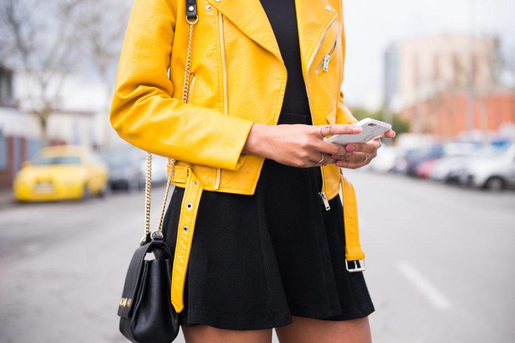 zara giacca pelle gialla