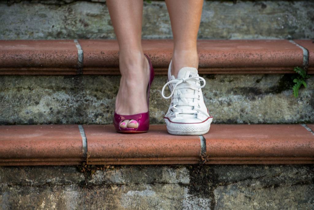 Che scarpe metto con il vestito felpa