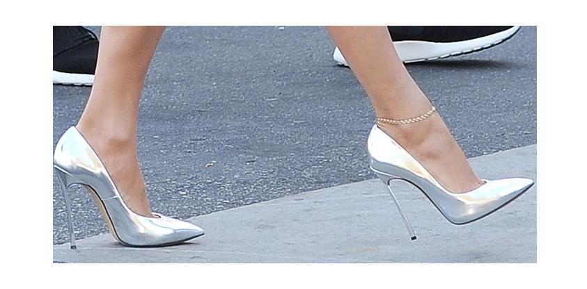 come calzano le scarpe casadei