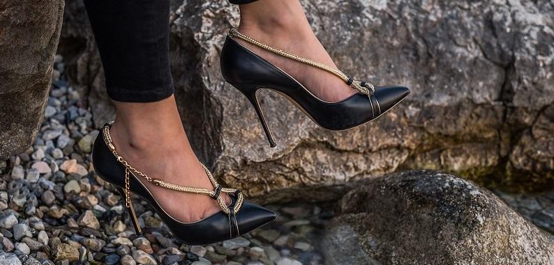 Come Comprare Scarpe di Marca Online in Offerta usando la ricerca personalizzata. Cerca marca e/o modello. Specifica se cerchi scarpe donna o scarpe uomo. Clicca su cerca. Il motore ti mostrerà una selezione di scarpe online scontate scelte tra i migliori negozi.
