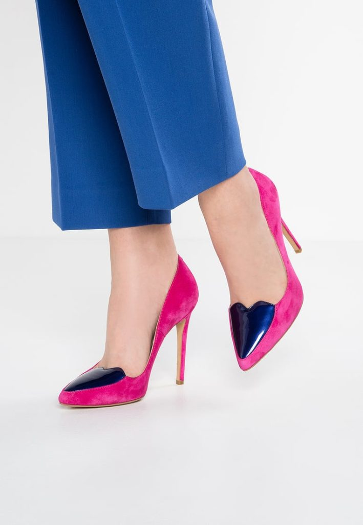 scarpa con cuori
