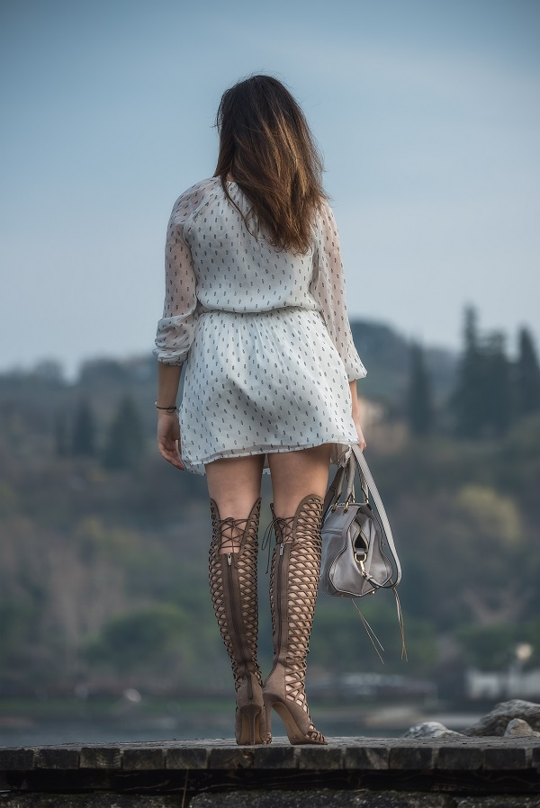 outfit sandali gladiator