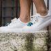 Come pulire le sneakers bianche di pelle e di tela