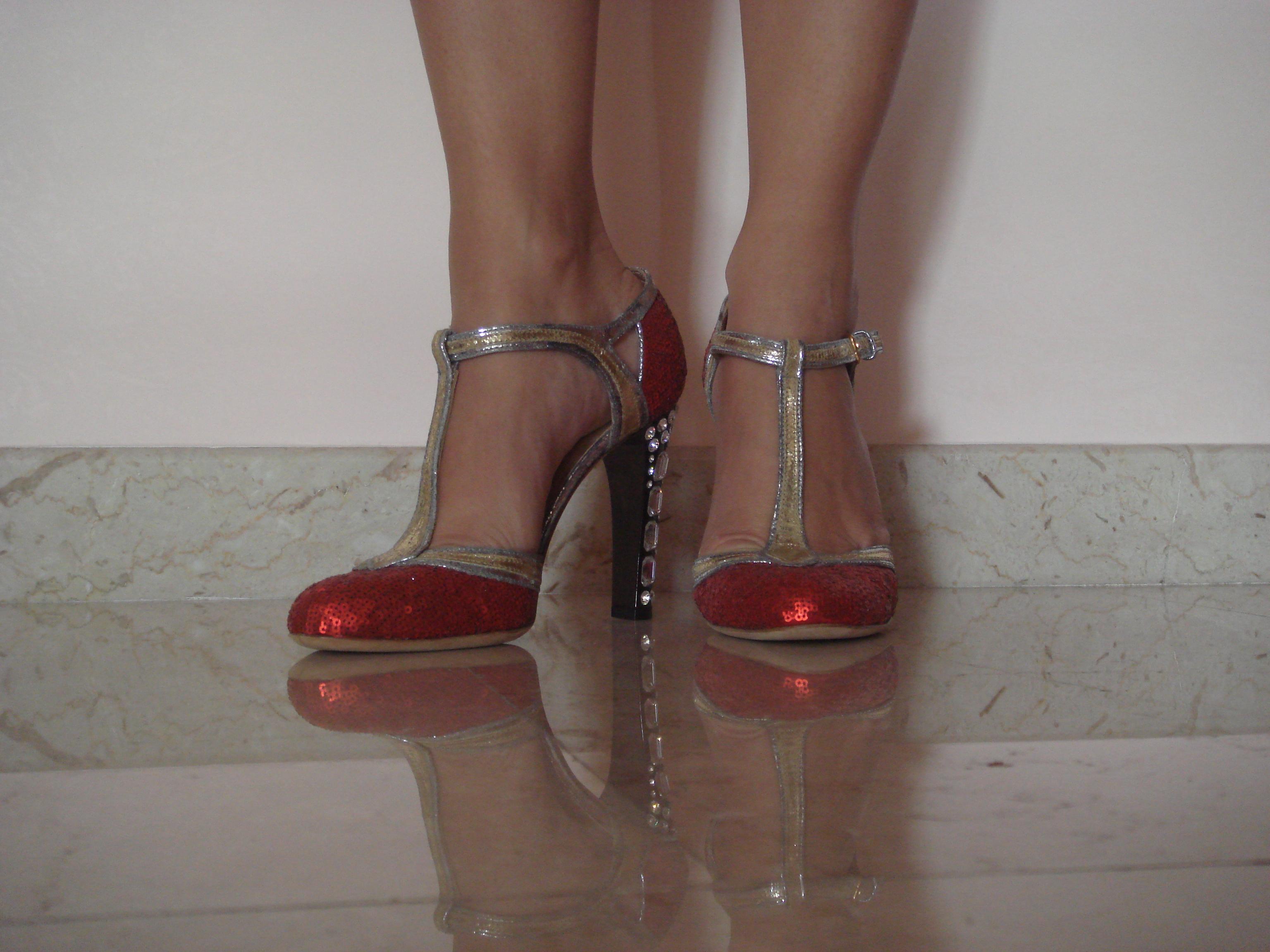 scarpe rosse miu miu