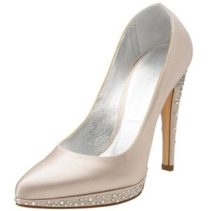 scarpe vegane casadei per anne hathaway