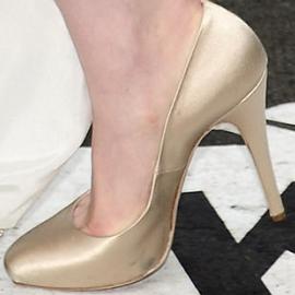 anne hathaway scarpe vegane casadei vegan shoes