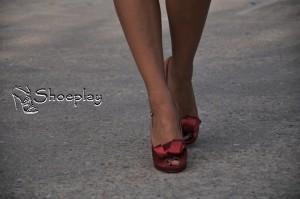 tacchi alti indossati shoegal scarpe rosa rosse