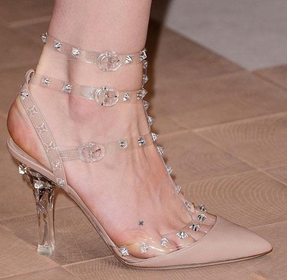 scarpe valentino chiara ferragni decolletè borchie estate 2013