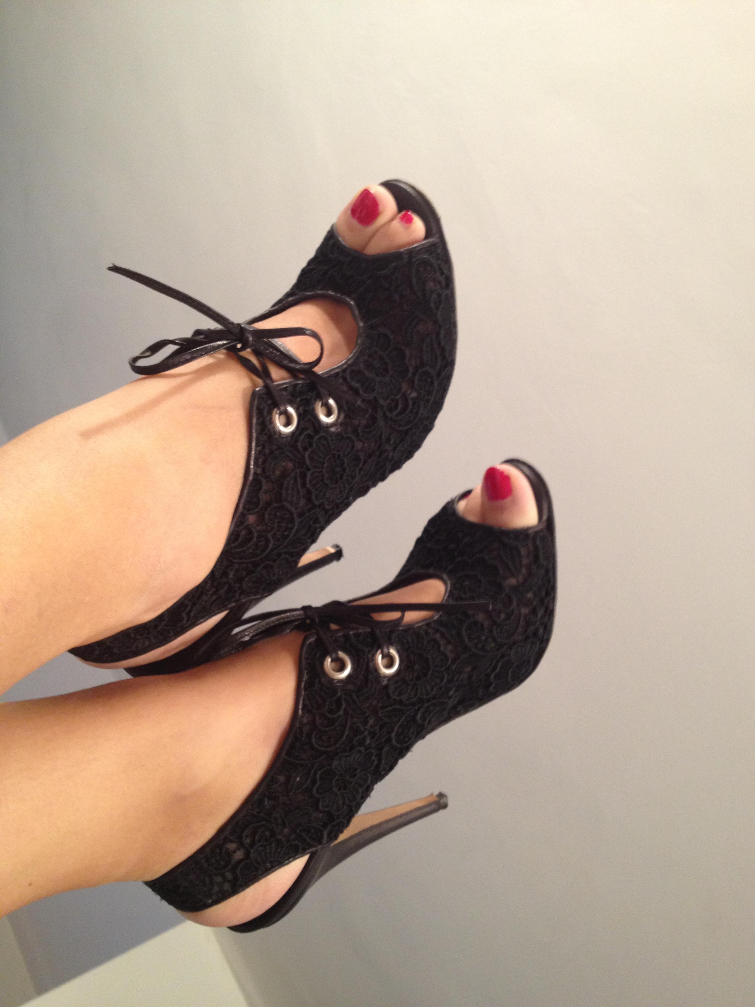 mano blanhink sandali con lacci