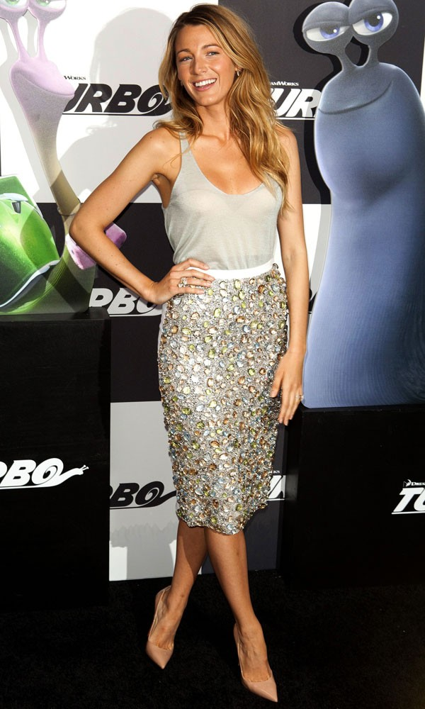 Blake_Lively_Burberry_Dress_Turbo_Premiere