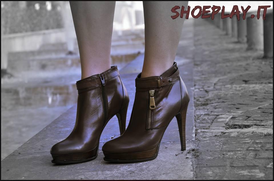 ankle boots marroni pittarello rosso