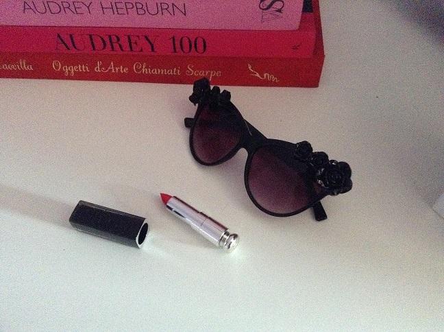 occhiali da sole decorati