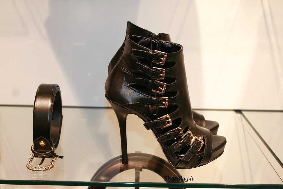 sandalo fibbie nere cinti 2014