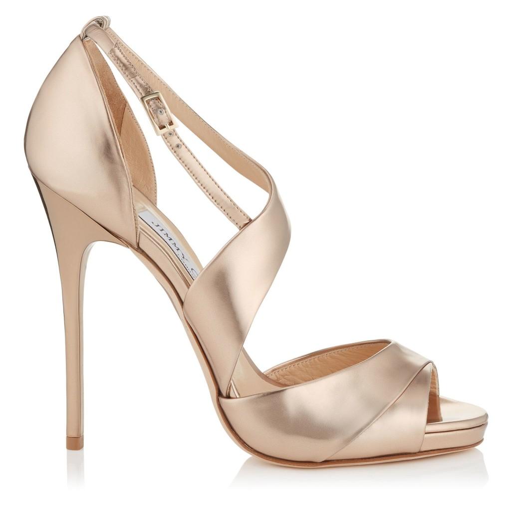 sandali in pelle dorata