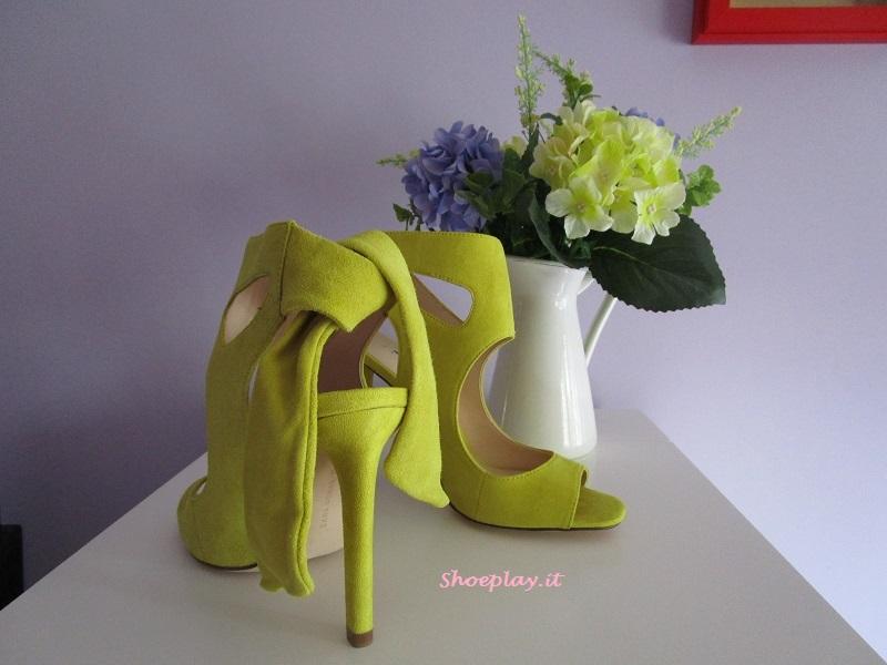 scarpe gialle