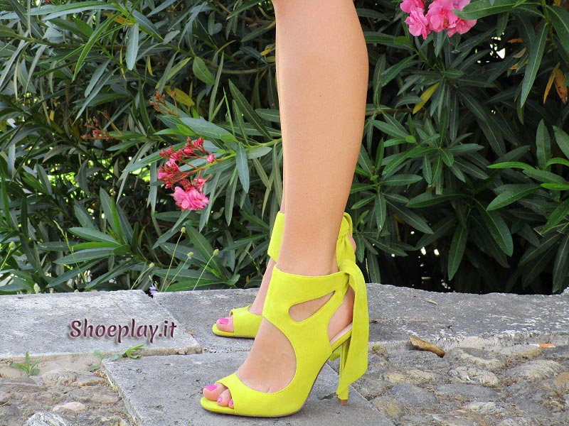 outfit scarpe gialle