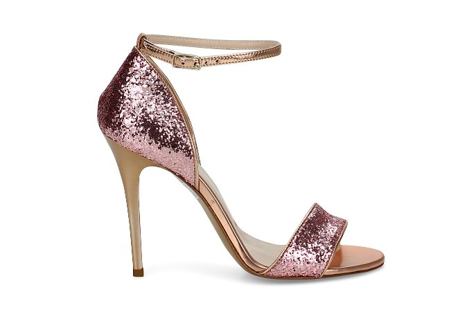 b74a747c94 Sandali rosa con glitter, un modello divertente e femminile