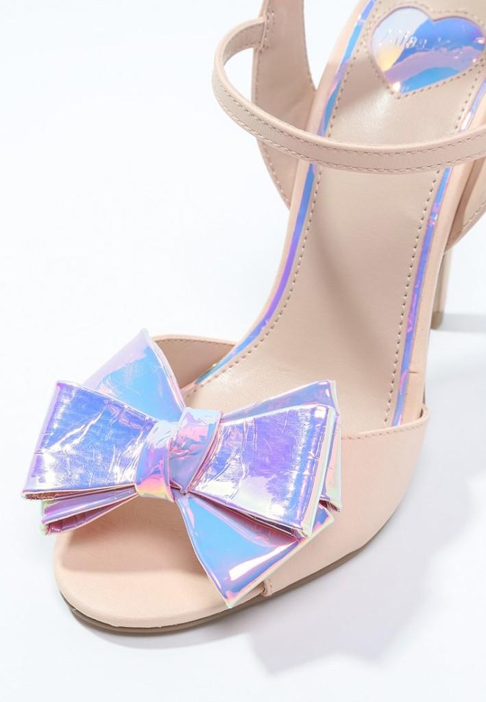 sandali con i fiocchi