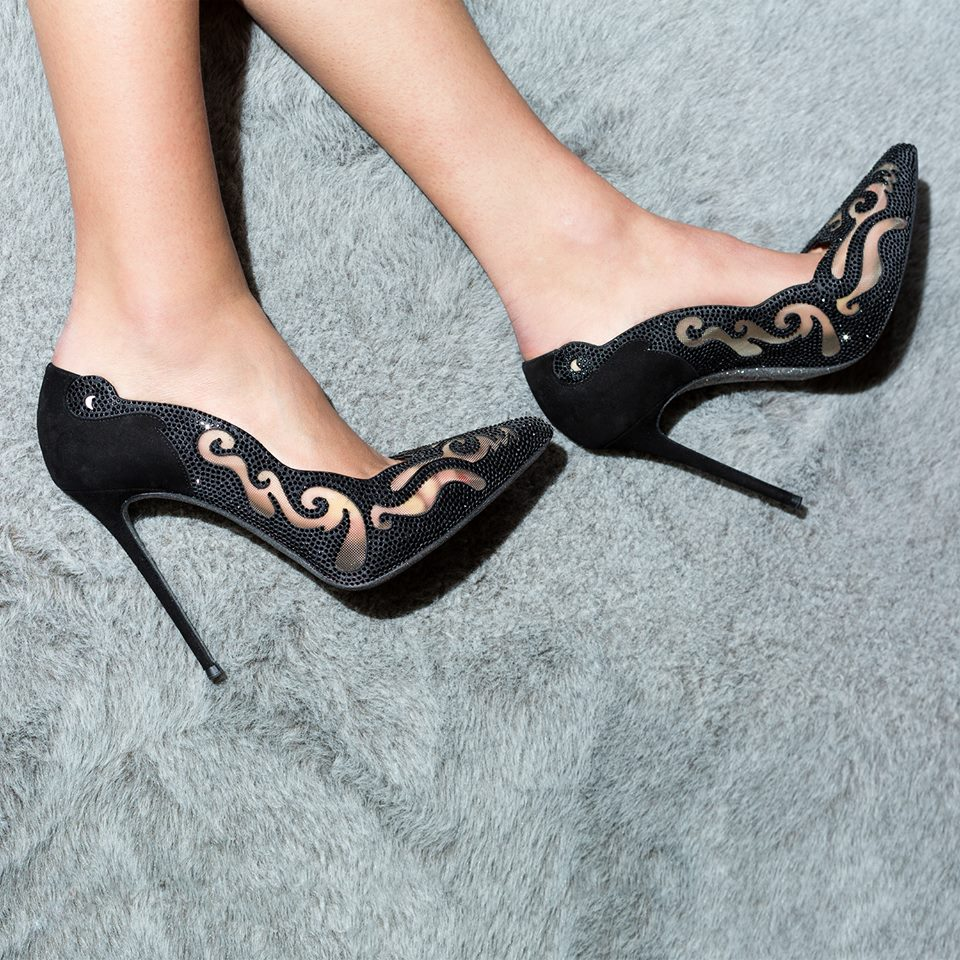 black pumps caovilla 2016