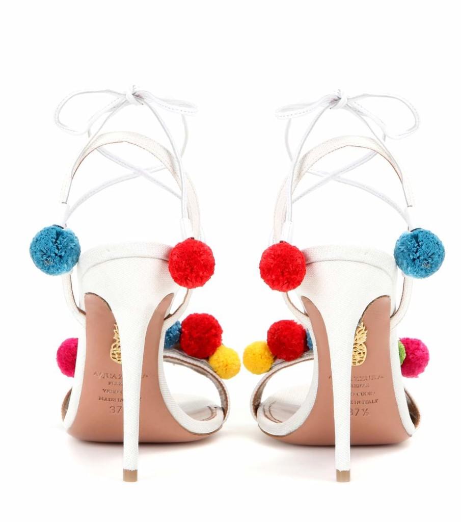 sandali con pom pom