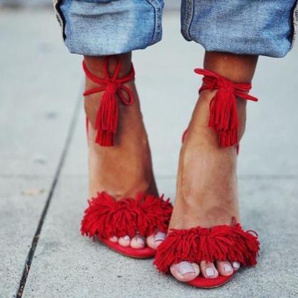 come si abbinano i sandali con lacci alla schiava 2bf34b8912b