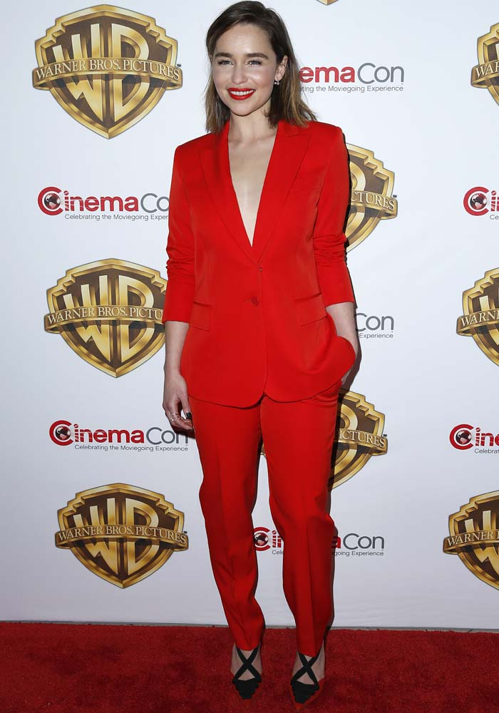 emilia clarcke red carpet
