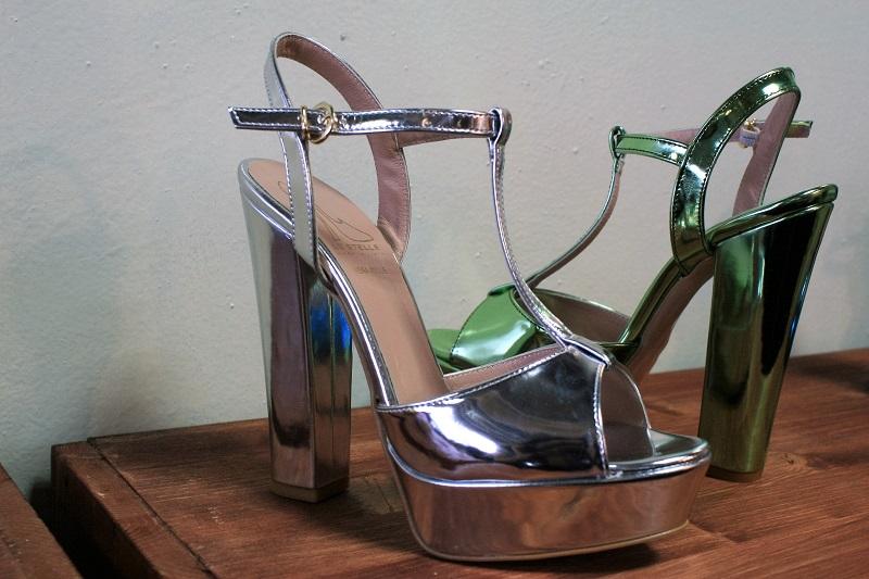 sandali pelle specchiata
