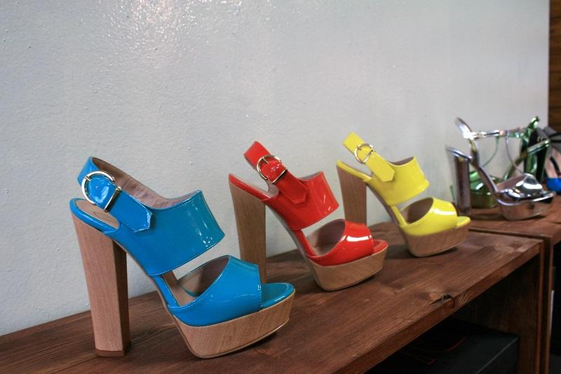 sandali tacco legno