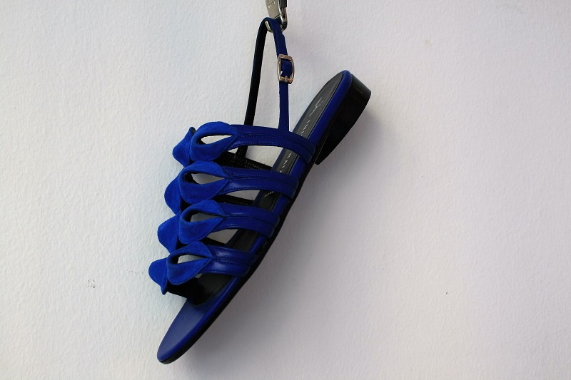 sandalo-blu-basso