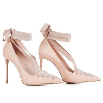 scarpe con nastri
