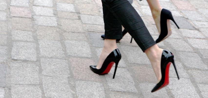 c86fd41a0bf53 Come comprare scarpe di lusso in sconto || Come ho costruito la mia  collezione