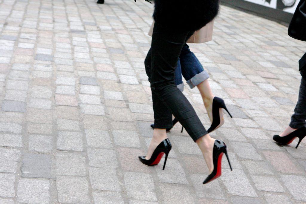 comprare scarpe di lusso in sconto