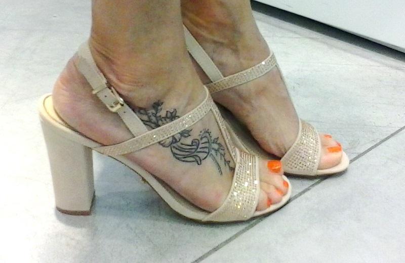 sandali tacco medio