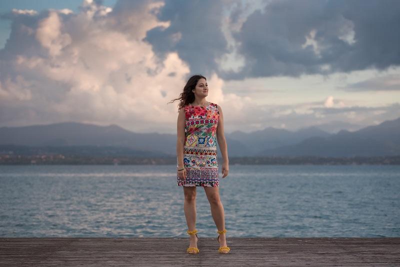 outfit sandali gialli