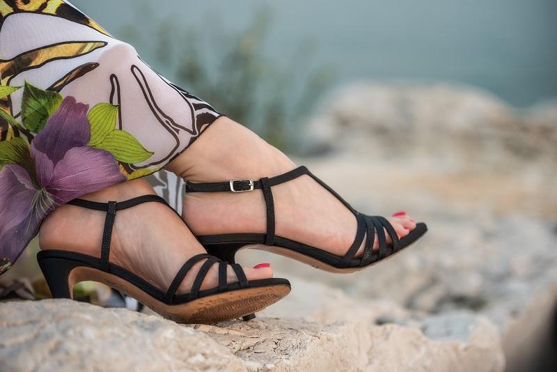 sandali comodi eleganti