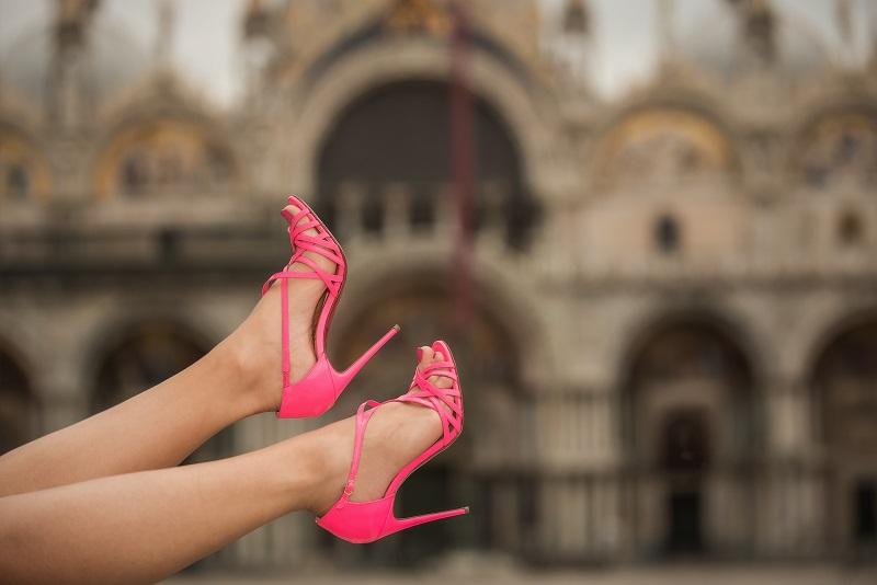 scarpe louboutin rosa
