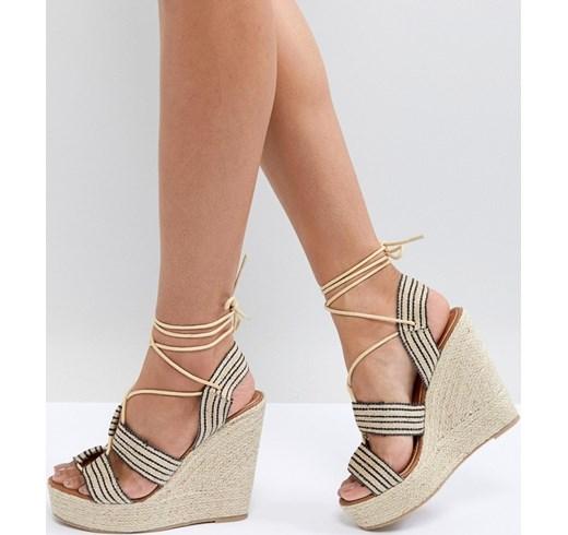 Zeppe 2018  tendenze per i sandali con la zeppa dell estate 2018 0436f7d51d1