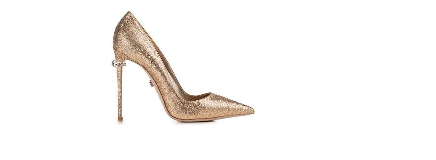 E dopo l anello di fidanzamento sono arrivate le scarpe di fidanzamento Le  Silla! Per noi shoe lover 064defddeb3