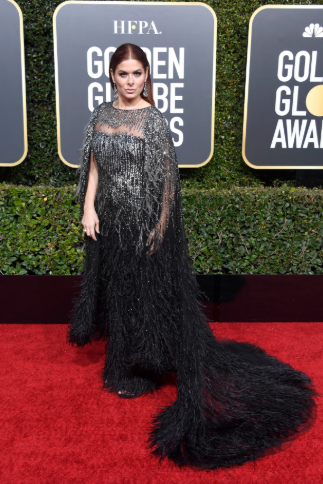 debra messing golden globes 2019