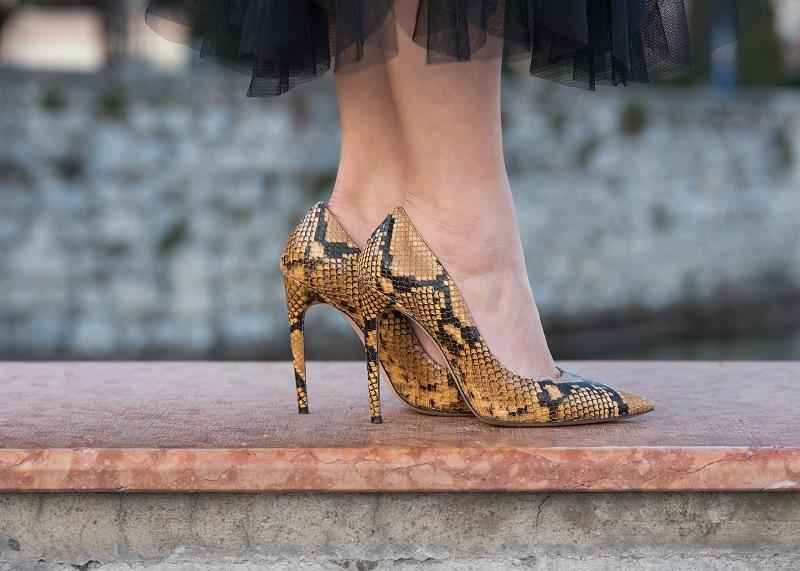 best sneakers 7375e 4b883 Isabella Tedeschi Shoes - Decollete animalier pitonate