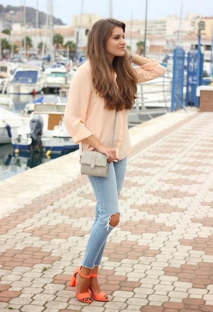 outfit sandali arancioni
