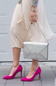 outfit scarpe magenta