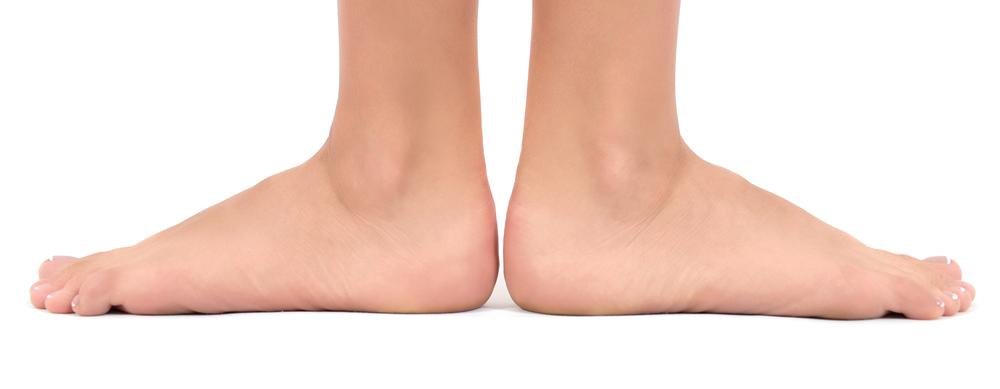 Scarpe per piedi piatti: quali modelli carini sono adatti al
