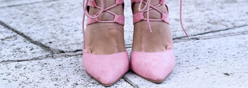 scarpe rosa look