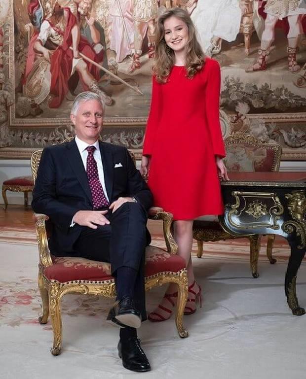 sandali rossi elisabetta del belgio