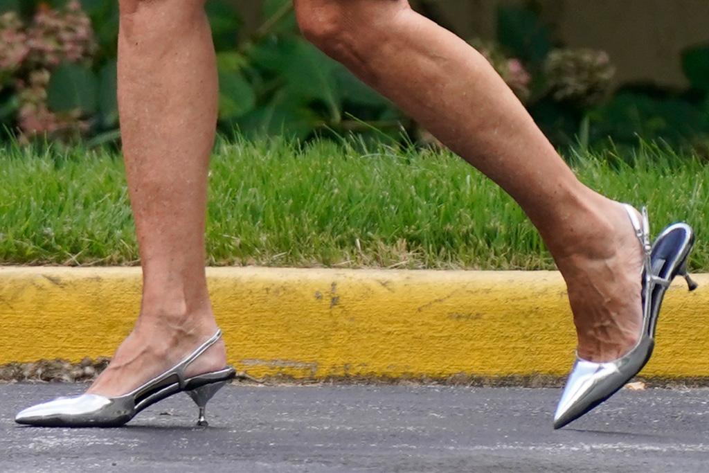 scarpe jill biden